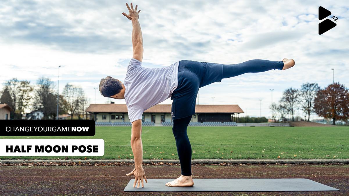 Yoga für mehr Balance im Fußball - Position 12